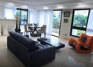 Apartamento En Alquileren Distrito Nacional, Piantini, Republica Dominicana, DO RAH: 19-614