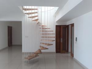 Apartamento En Alquileren Distrito Nacional, Evaristo Morales, Republica Dominicana, DO RAH: 19-738