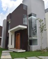 Casa En Alquileren Distrito Nacional, Cuesta Hermosa, Republica Dominicana, DO RAH: 19-802