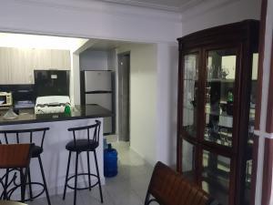 Apartamento En Alquileren Distrito Nacional, Zona Universitaria, Republica Dominicana, DO RAH: 19-805