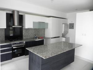 Apartamento En Alquileren Distrito Nacional, Evaristo Morales, Republica Dominicana, DO RAH: 19-827