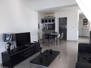 Apartamento En Ventaen Distrito Nacional, Quisqueya, Republica Dominicana, DO RAH: 19-877