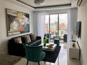 Apartamento En Alquileren Distrito Nacional, Evaristo Morales, Republica Dominicana, DO RAH: 19-939