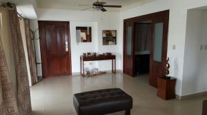 Apartamento En Alquileren Distrito Nacional, Evaristo Morales, Republica Dominicana, DO RAH: 19-947