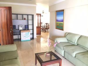 Apartamento En Alquileren Distrito Nacional, Naco, Republica Dominicana, DO RAH: 19-1038