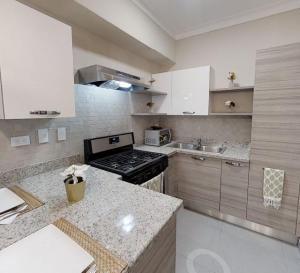 Apartamento En Alquileren Distrito Nacional, Serralles, Republica Dominicana, DO RAH: 19-1083