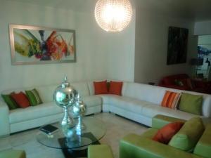 Apartamento En Alquileren Distrito Nacional, Bella Vista, Republica Dominicana, DO RAH: 19-1104