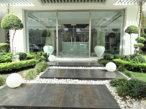 Apartamento En Alquileren Distrito Nacional, Piantini, Republica Dominicana, DO RAH: 19-1211