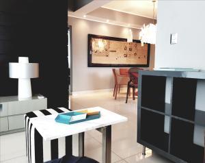 Apartamento En Alquileren Distrito Nacional, Piantini, Republica Dominicana, DO RAH: 19-1214