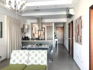 Apartamento En Alquileren Distrito Nacional, Serralles, Republica Dominicana, DO RAH: 20-3