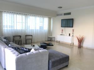 Apartamento En Alquileren Distrito Nacional, Piantini, Republica Dominicana, DO RAH: 20-52