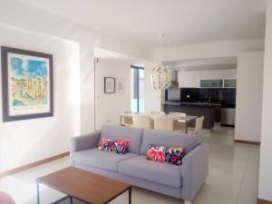 Apartamento En Alquileren Distrito Nacional, Evaristo Morales, Republica Dominicana, DO RAH: 20-103