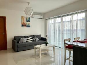 Apartamento En Alquileren Distrito Nacional, Gazcue, Republica Dominicana, DO RAH: 20-136