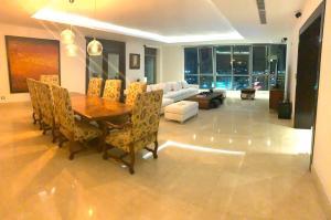 Apartamento En Alquileren Distrito Nacional, Serralles, Republica Dominicana, DO RAH: 20-249
