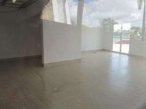 Local Comercial En Ventaen Distrito Nacional, Zona Colonial, Republica Dominicana, DO RAH: 20-304