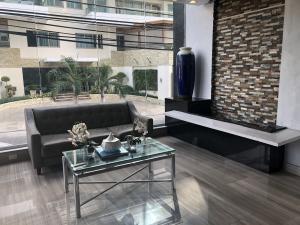 Apartamento En Alquileren Distrito Nacional, Los Cacicazgos, Republica Dominicana, DO RAH: 20-321