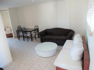 Apartamento En Alquileren Distrito Nacional, Bella Vista, Republica Dominicana, DO RAH: 20-365
