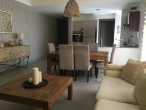 Apartamento En Alquileren Distrito Nacional, Piantini, Republica Dominicana, DO RAH: 20-392