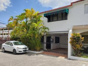Apartamento En Ventaen Distrito Nacional, Zona Universitaria, Republica Dominicana, DO RAH: 20-408