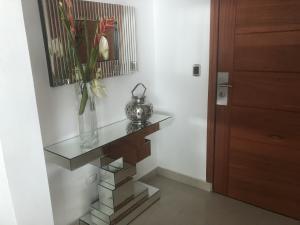 Apartamento En Alquileren Distrito Nacional, Los Cacicazgos, Republica Dominicana, DO RAH: 20-413