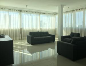 Apartamento En Alquileren Distrito Nacional, Los Cacicazgos, Republica Dominicana, DO RAH: 20-438