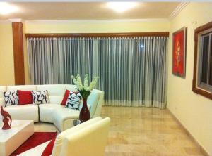 Apartamento En Alquileren Distrito Nacional, Piantini, Republica Dominicana, DO RAH: 20-492