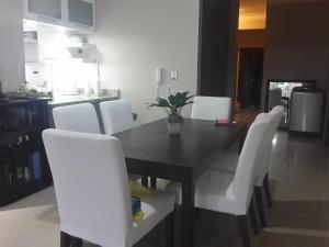 Apartamento En Ventaen Distrito Nacional, Renacimiento, Republica Dominicana, DO RAH: 20-544