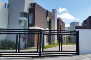 Casa En Alquileren Distrito Nacional, Cuesta Hermosa, Republica Dominicana, DO RAH: 20-617