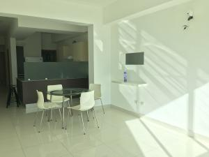 Apartamento En Ventaen Distrito Nacional, Serralles, Republica Dominicana, DO RAH: 20-644