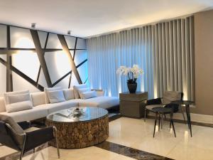 Apartamento En Alquileren Distrito Nacional, Serralles, Republica Dominicana, DO RAH: 20-757