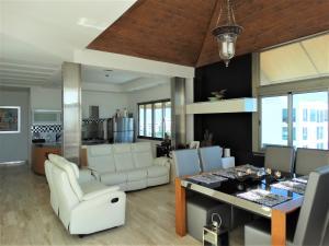 Apartamento En Ventaen Distrito Nacional, Bella Vista, Republica Dominicana, DO RAH: 20-818