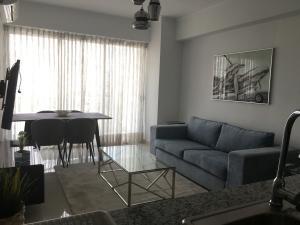 Apartamento En Alquileren Distrito Nacional, Piantini, Republica Dominicana, DO RAH: 20-1102