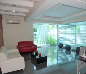 Apartamento En Alquileren Distrito Nacional, Evaristo Morales, Republica Dominicana, DO RAH: 20-1129