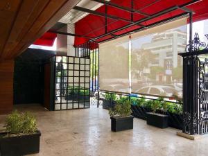 Local Comercial En Alquileren Distrito Nacional, Piantini, Republica Dominicana, DO RAH: 20-1134