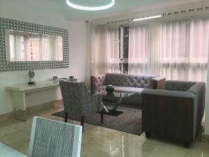 Apartamento En Alquileren Distrito Nacional, Piantini, Republica Dominicana, DO RAH: 20-1155