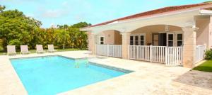 Casa En Ventaen Punta Cana, Bavaro, Republica Dominicana, DO RAH: 20-1169