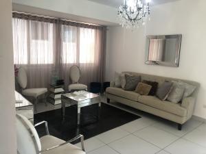 Apartamento En Alquileren Distrito Nacional, Naco, Republica Dominicana, DO RAH: 20-1176