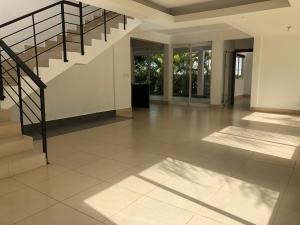 Casa En Alquileren Distrito Nacional, Arroyo Hondo, Republica Dominicana, DO RAH: 20-1301