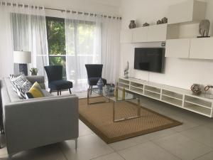 Apartamento En Alquileren Distrito Nacional, Piantini, Republica Dominicana, DO RAH: 20-1327