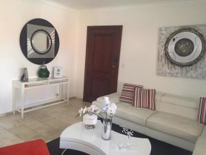 Apartamento En Alquileren Distrito Nacional, Piantini, Republica Dominicana, DO RAH: 20-1381