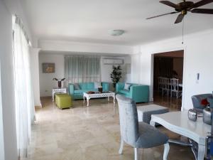 Apartamento En Alquileren Distrito Nacional, Los Cacicazgos, Republica Dominicana, DO RAH: 20-1418