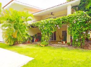 Apartamento En Ventaen Punta Cana, Bavaro, Republica Dominicana, DO RAH: 20-1440