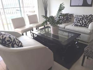 Apartamento En Alquileren Distrito Nacional, Naco, Republica Dominicana, DO RAH: 20-1484
