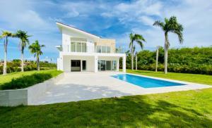 Casa En Ventaen Punta Cana, Cap Cana, Republica Dominicana, DO RAH: 20-1701
