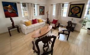Apartamento En Alquileren Distrito Nacional, Los Restauradores, Republica Dominicana, DO RAH: 20-1702