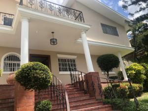 Casa En Ventaen Distrito Nacional, Cuesta Hermosa Ii, Republica Dominicana, DO RAH: 20-1734