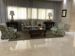 Apartamento En Alquileren Distrito Nacional, Los Cacicazgos, Republica Dominicana, DO RAH: 21-4