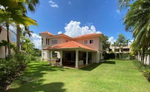 Casa En Ventaen Distrito Nacional, Los Rios, Republica Dominicana, DO RAH: 21-63