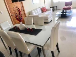 Apartamento En Alquileren Distrito Nacional, Paraiso, Republica Dominicana, DO RAH: 21-102