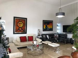 Apartamento En Ventaen Distrito Nacional, Evaristo Morales, Republica Dominicana, DO RAH: 21-137